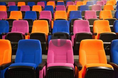 Réalisation des sièges de l'Espace Nelson-Mandela à Clermont-Ferrand