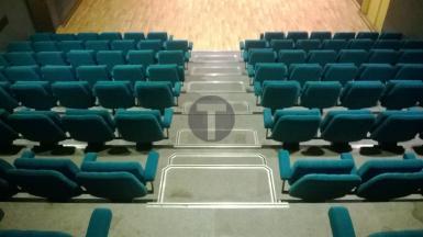 Rénovation des sièges de l'espace Jacques Brel à Romainville